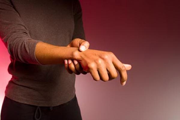 Como identificar o reumatismo nos ossos?