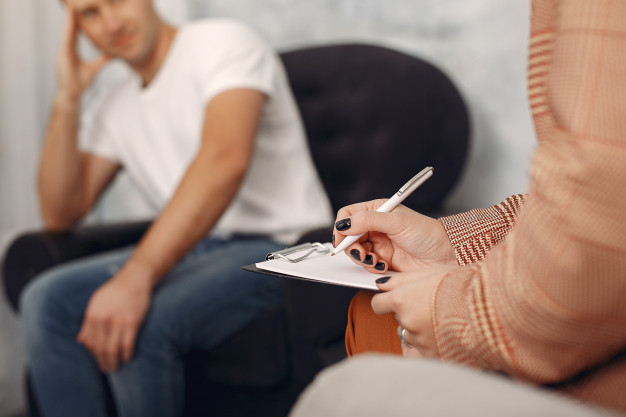 Como a psicologia ajuda no tratamento das doenças reumáticas?